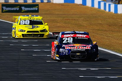 Brazilian V8 Stock Cars: First practice with 50 shades of grey