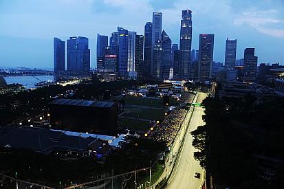 """مسؤولو جائزة سنغافورة الكبرى يراقبون عن كثب حالة """"الضباب"""""""