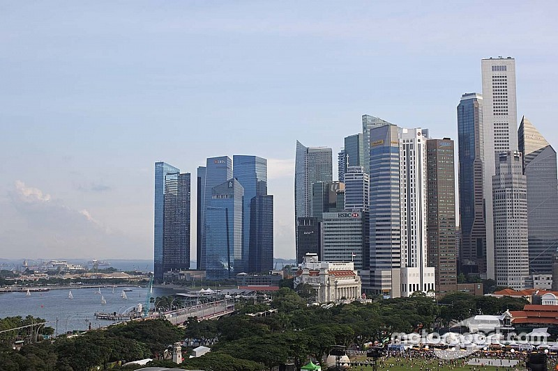 لا تعديل في موعد سباق جائزة سنغافورة الكبرى رغم الضباب