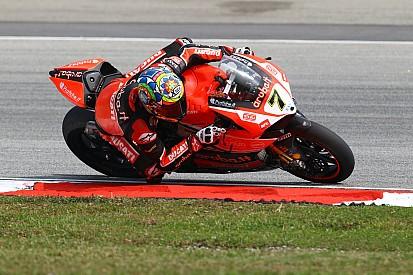 Chaz Davies, Davide Giugliano and the Aruba.it Racing - Ducati Superbike Team together again in 2016