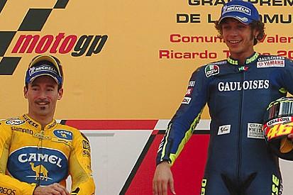 Rival, Biaggi diz que Rossi merece titulo da MotoGP ante a Lorenzo