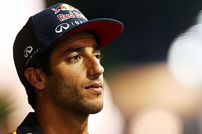 "Ricciardo says Mercedes ""will fool everyone"""