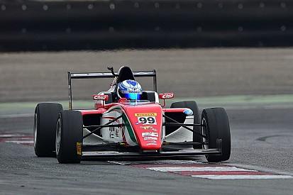 Ralf Aron svetta nelle prove libere del venerdì a Imola