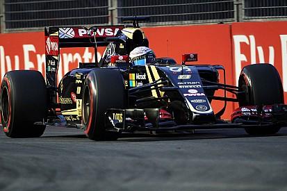 Grosjean qualifies tenth and Maldonado eighteenth for tomorrow's Singapore GP