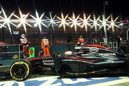 """15º, Button diz que problema da Mercedes é """"bom para a F1"""""""
