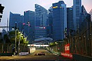 Во время гонки в Сингапуре на трассу вышел человек