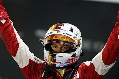 Vettel vence em Cingapura e supera as 41 vitórias de Senna
