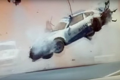 Pedro Piquet se accidenta violentamente en la carrera de Porsche GT3 Cup - video