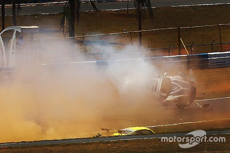 Piquet publica foto con la cara muy herida