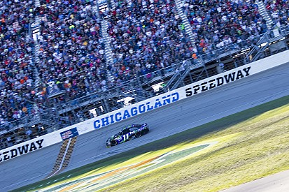 Denny Hamlin remporte la première course du Chase à Chicago