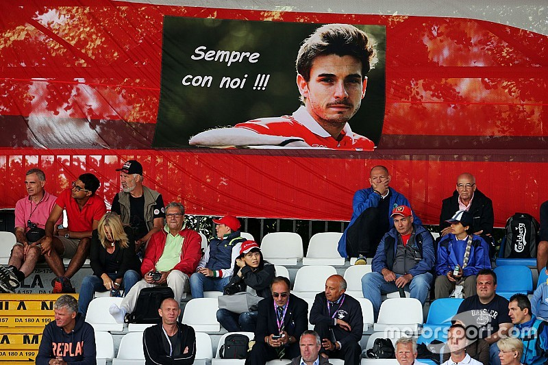 Bianchi's father says he still can't watch F1