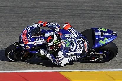 Lorenzo volvió a dominar y le sacó 0s7 a Rossi