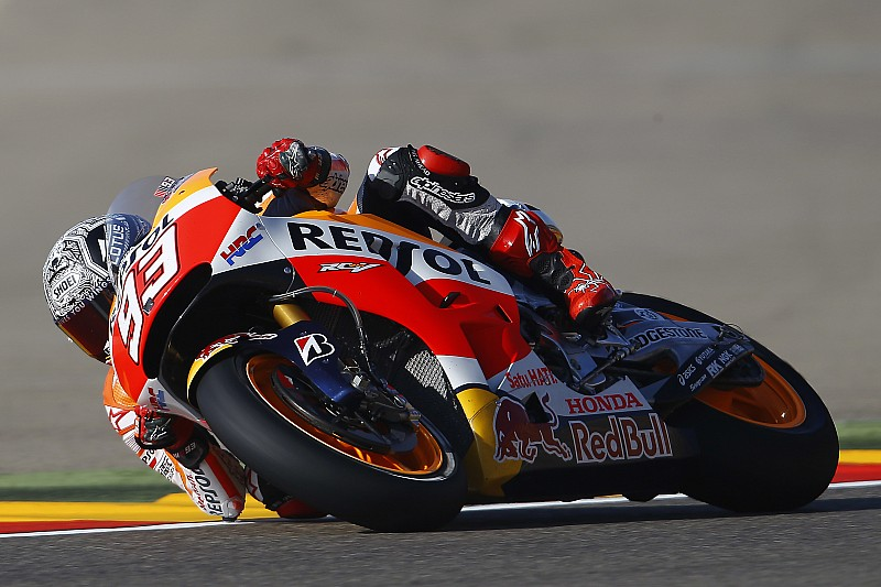 """Marquez expects """"tricky"""" race after lap record pole"""