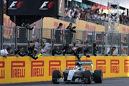 Hamilton in Giappone nella doppietta Mercedes