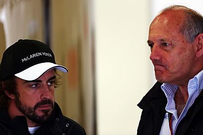 """Ron Dennis ne va """"pas se fâcher"""" contre un Alonso """"frustré"""""""