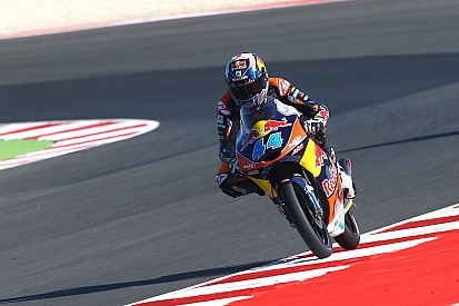 Miguel Oliveira cala il tris nella pazza gara di Aragon