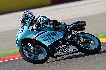 Después de acalorada disputa, Oliveira vence en el GP de Aragón