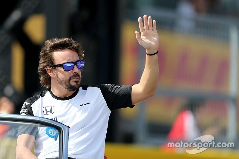 """Alonso pede mensagens """"privadas"""" após polêmica com Honda"""