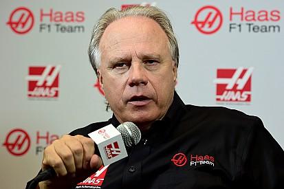 Haas, sorprendido por firmar a Grosjean