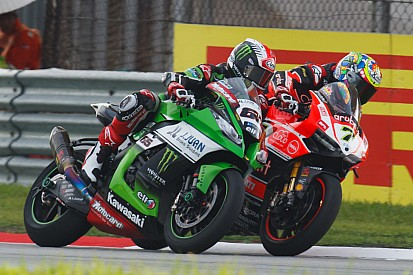Magny-Cours, Libere 3: bel duello Rea-Davies