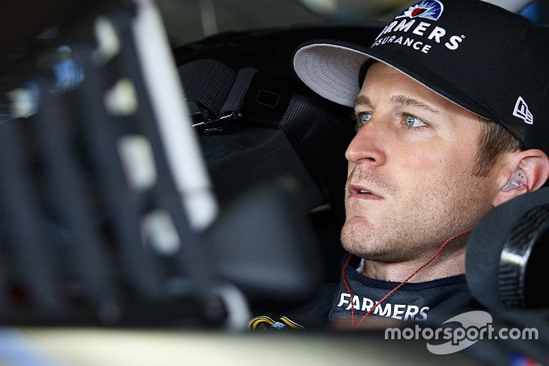 Kasey Kahne leads abbreviated Cup practice