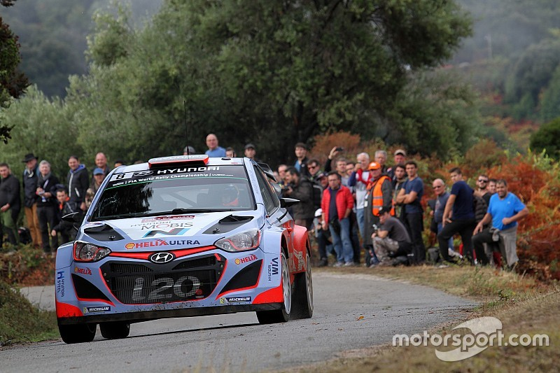 ES8 - Scratch pour Dani Sordo, Latvala près du but