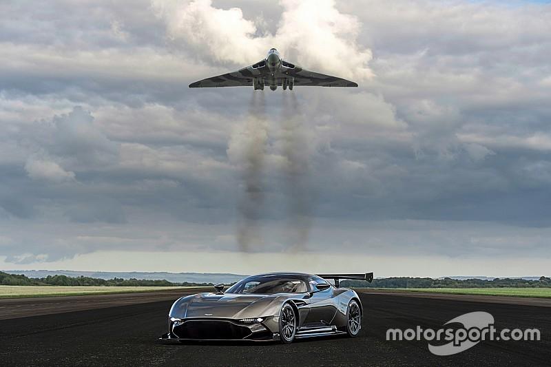 Vidéo - L'Aston Martin Vulcan affronte l'Avro Vulcan