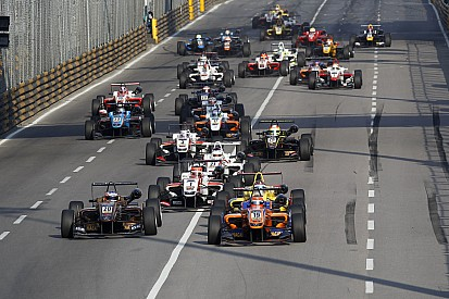 روزينكفيست بطل فورمولا 3 الأوروبية يتصدر قائمة المشاركين في ماكاو
