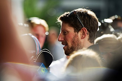 """Grosjean - """"Je sens bien la voiture depuis ce matin"""""""