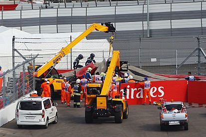 """F1 """"dodged a bullet"""" with Sainz's accident"""
