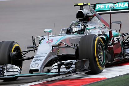 Rosberg agacé par son problème d'accélérateur