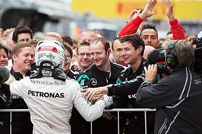 Hamilton regala il titolo alla Mercedes con Vettel secondo