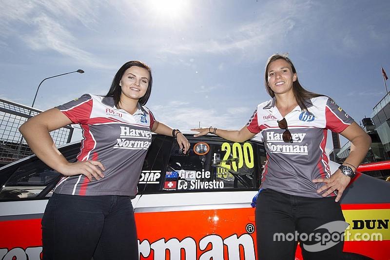 """Immerhin"": Simona de Silvestro bei V8-Supercars-Debüt im Ziel"