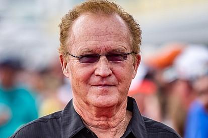 No Dia das Crianças, piloto da NASCAR completa 74 anos