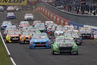 V8-Supercars starten mit 26 Fahrzeugen in die Saison 2016
