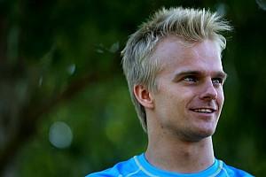 Formule 1 Diaporama Heikki Kovalainen, 35 ans et toutes ses dents!