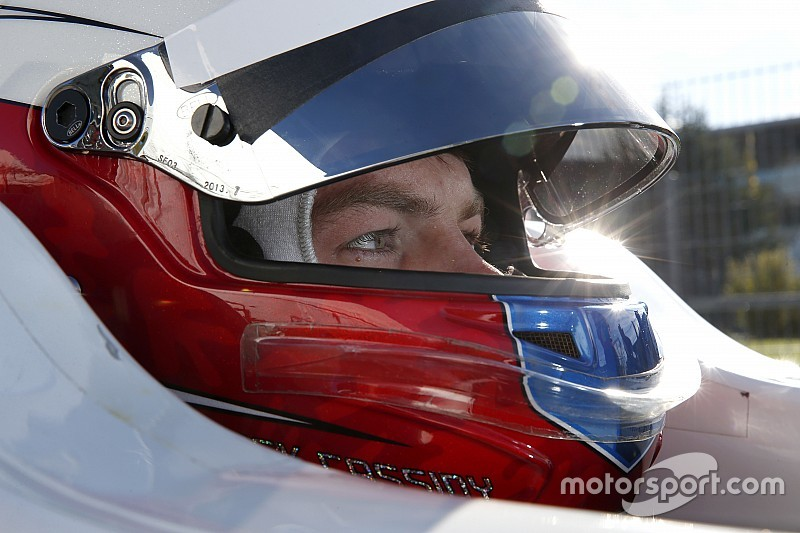 Nick Cassidy secures 2015 Japanese F3 title