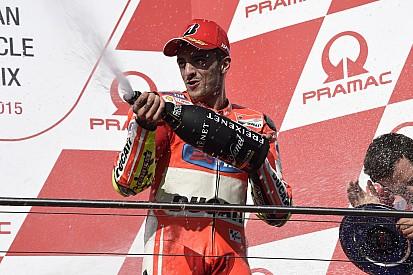 Iannone bat Rossi... et une mouette!
