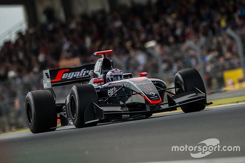 دي فريز يسجّل انتصاره الأوّل في الفورمولا رينو 3.5 في آخر سباقات الموسم