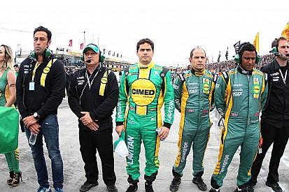 Mesmo com carro torto, Gomes comemora atuação em Curitiba