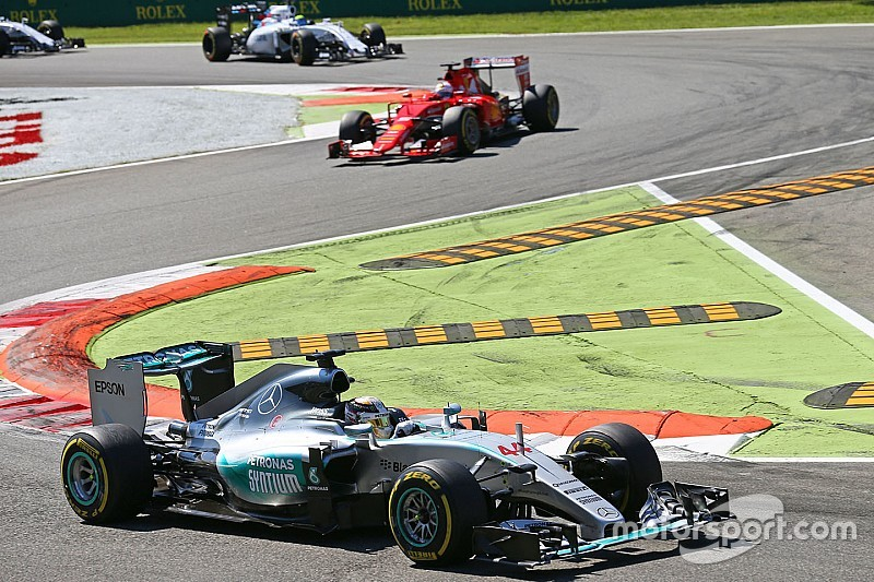 F1 plans 'live' tyre pressure policing in 2016