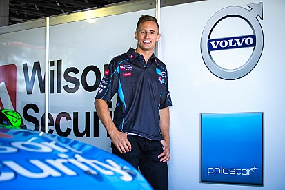 Pither edges Dumbrell in second V8 practice