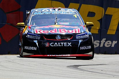Dumbrell takes the lead in third V8 practice