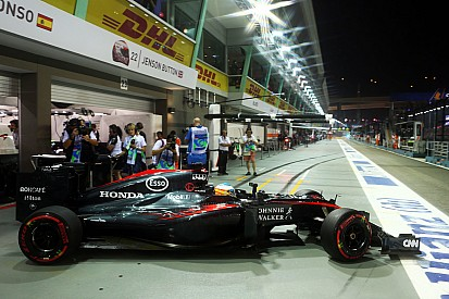 La McLaren ha salvato i due cambi di Singapore