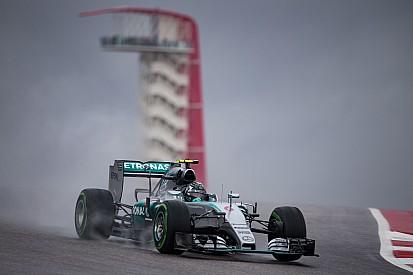 Com pista molhada, Rosberg lidera primeiro treino em Austin