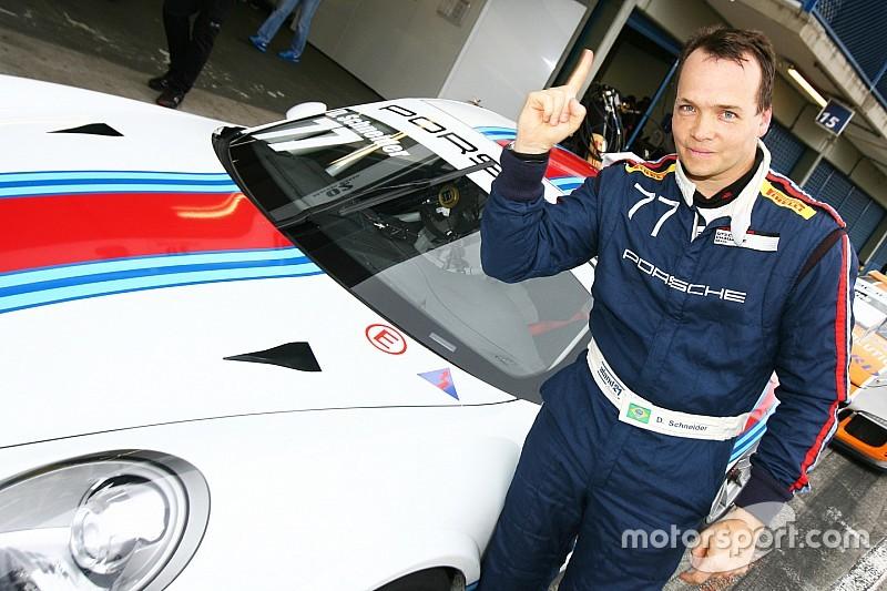 Schneider conquista pole para primeira prova de Curitiba