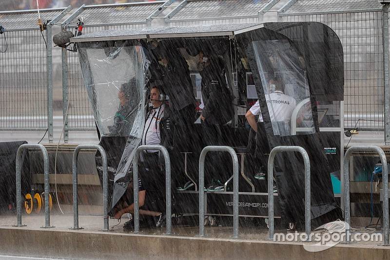 Хэмилтон: В жизни не видел такого дождя