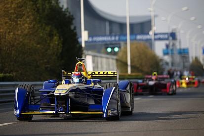 Renault mantiene el control en Beijing