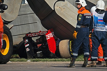 حادث ساينز في سوتشي: الاتحاد الدولي للسيارات يكشف عن تطورات جديدة