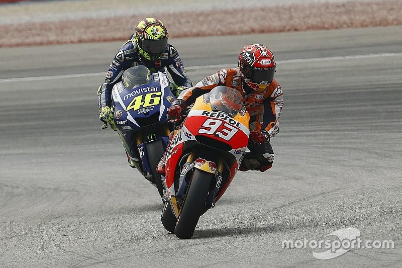 """Rossi: """"Márquez pilotaba sólo para molestarme"""""""